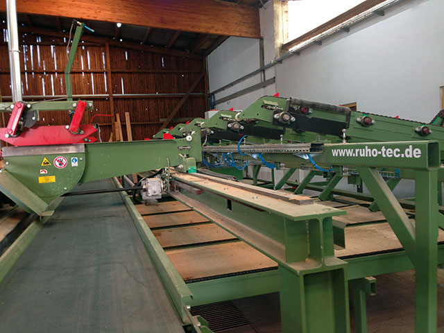 Conveyorsystems for a Headwood-sawmill